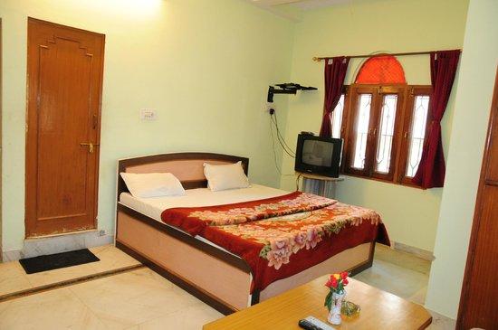 Hotel Krishnam Palace: SUIT ROOM