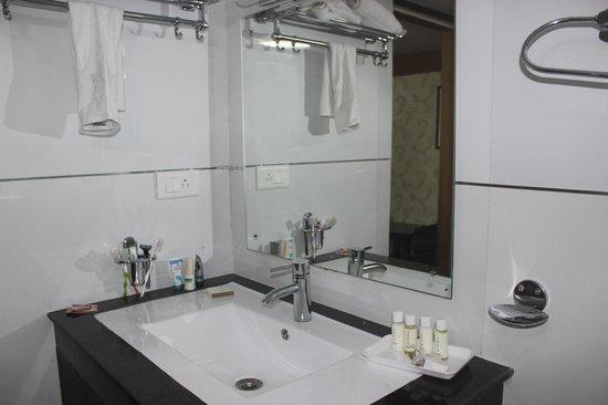 The Retreat : Bathroom