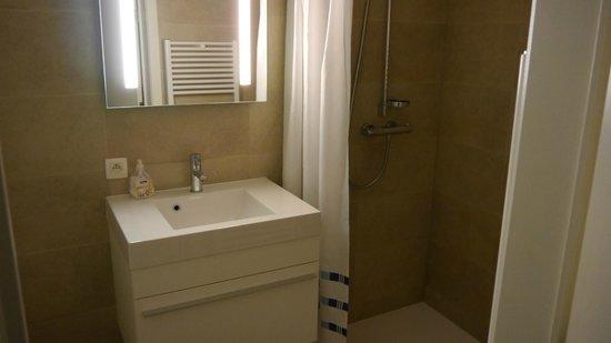 Place 2 Stay: Salle de bain