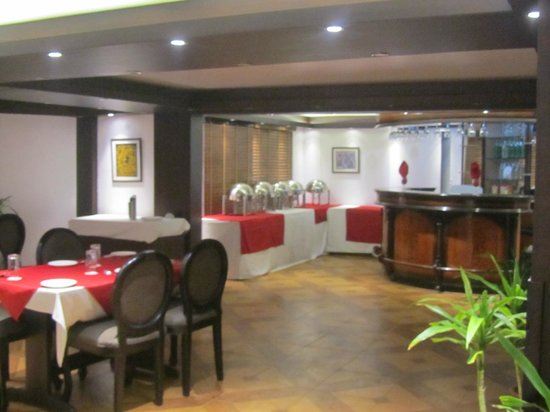 The Retreat: Dining hall