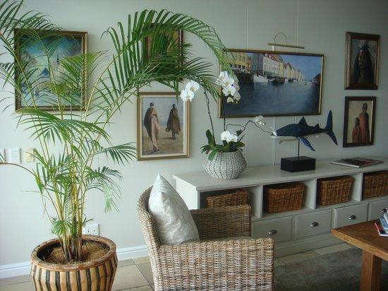 Aquavit Guest House : Wohnzimmer