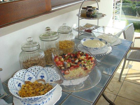 Aquavit Guest House: Frühstücksbuffet