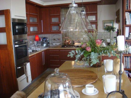 Aquavit Guest House: Küche