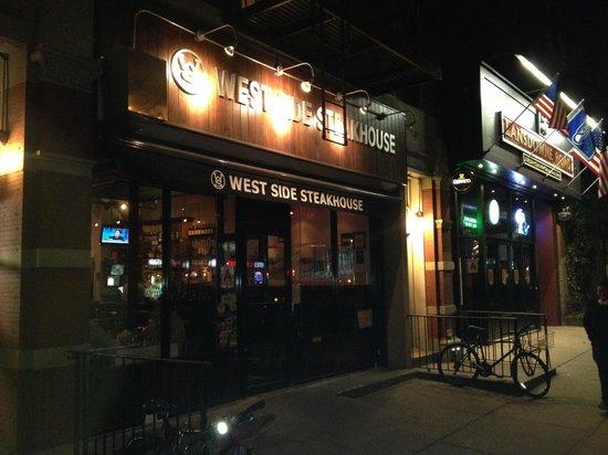 West Side Steakhouse : Devanture Resto
