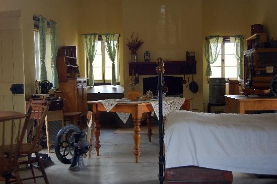 Alice Springs Telegraph Station Historical Reserve: photo of one of the interiors
