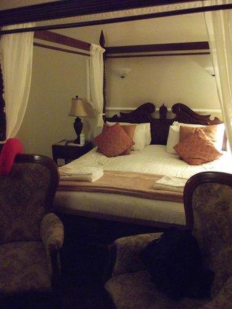 Duke of Gordon Hotel: Our bedroom