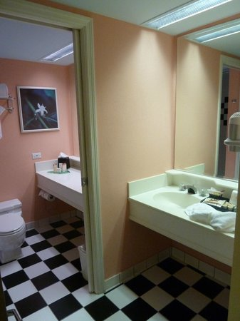 Miami Beach Resort and Spa : Bathroom