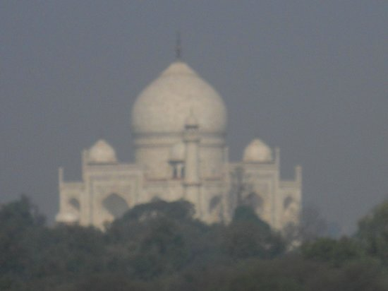 The Oberoi Amarvilas: Taj at sunrise from our room