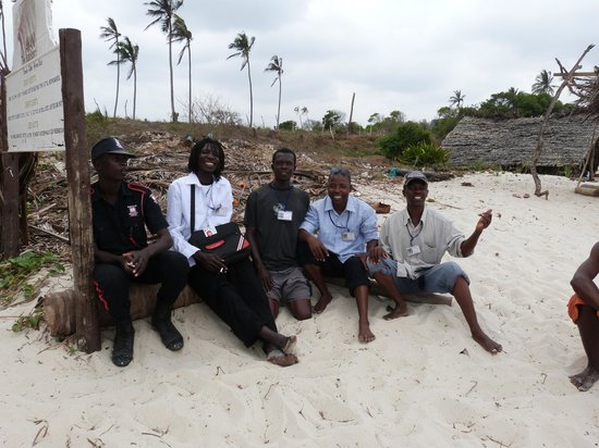 Amani Tiwi Beach Resort : The beach operators are licenced and very trustworthy