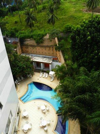 Portobello Ondina Praia Hotel: La piscina vista desde nuestra habitación