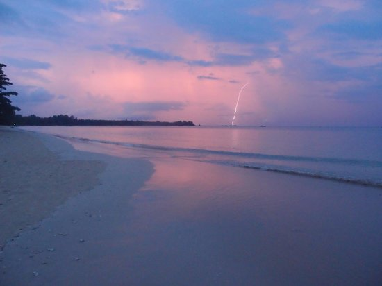 The Sarojin: Evening storm over the beach