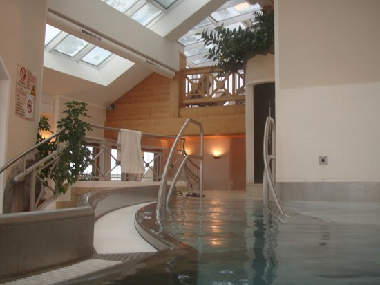 Sporthotel Manni: Indoor Pool Area