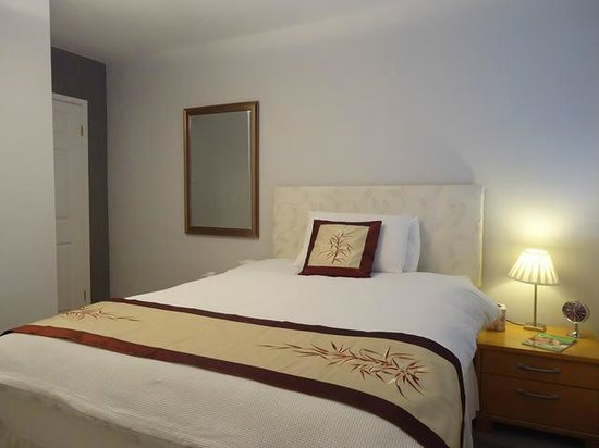 Jasmine House Bed and Breakfast : Double Room with Ensuite Facilities