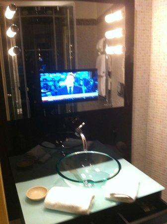 Al Viminale Hill Inn & Hotel : specchio bagno