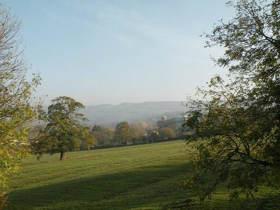 Jasmine House Bed and Breakfast: View to Cleeve Hill