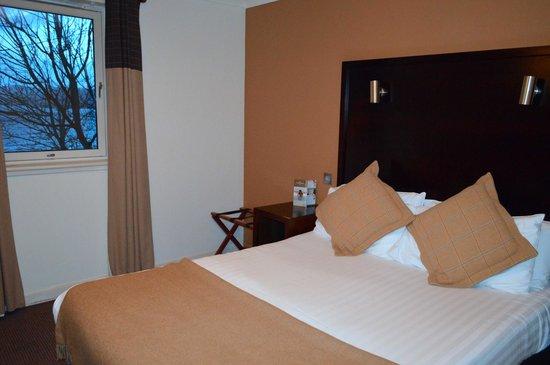 Oban Bay Hotel: bed