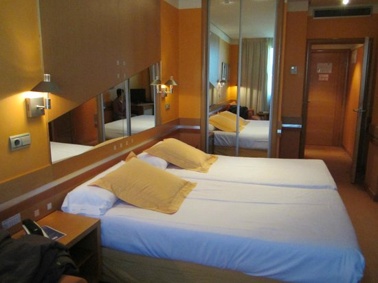 Hotel Torresport: habitacion