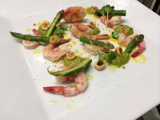 Nassa Osteria di Mare : Gamberi viola, asparagi, nocciole tostate e maionese al lime...