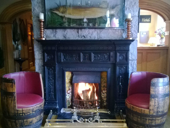 Fairhill House Hotel : Welcoming Open Fires