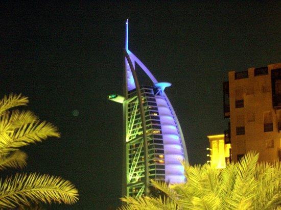 Burj Al Arab Jumeirah: Vista notturna