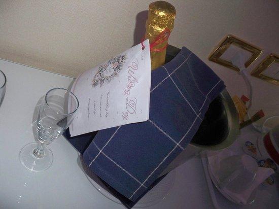Tui Sensimar Grand Hotel Nastro Azzurro: Our honeymoon