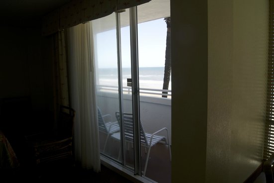 Best Western Aku Tiki Inn: Room 302 OceanFront Balcony