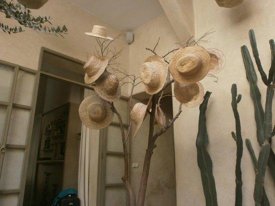 Riad Vendome & Spa Marrakech: The lesser known hat tree
