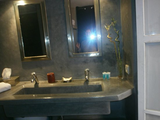 Riad Vendome & Spa Marrakech : Bathroom