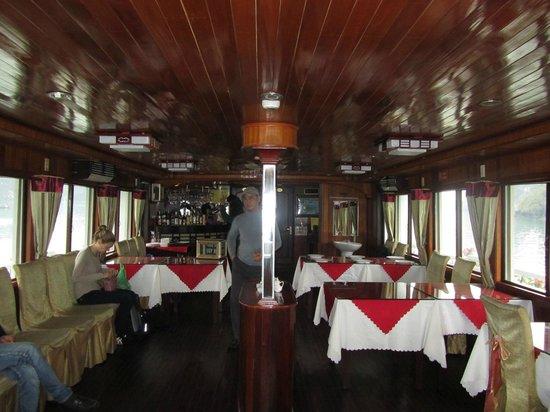 Vega Travel : Dining room