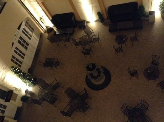 Hotel Leonardo Prague: Hotel Courtyard