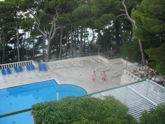 SENTIDO Bluesun Berulia : В отеле есть бассейн