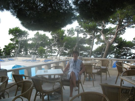 SENTIDO Bluesun Berulia : Балкон ресторана отеля