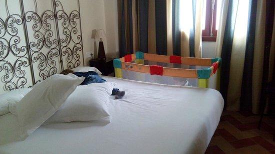Apartamentos - Suites Santa Cruz: Dormitorio Matrimonio