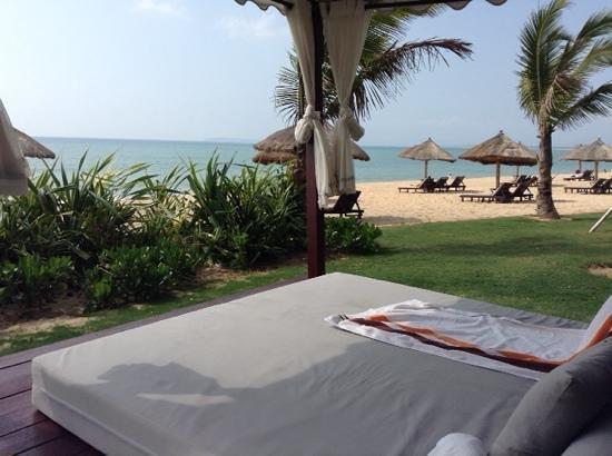 Renaissance Sanya Resort & Spa: sun lounge
