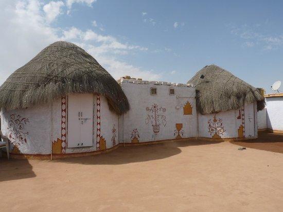 Desert Adventures Camps and Safari : les huttes