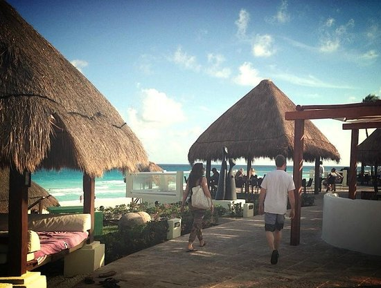 Paradisus Cancun: Some Bali Beds in Royal Service