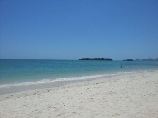 Muang Kulaypan Hotel: beach