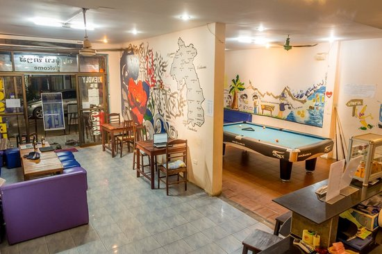 Funky Monkey Hostel : Front Common Areas