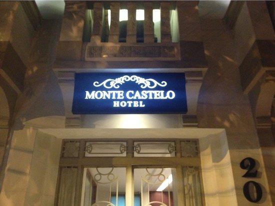 Hotel Monte Castelo: Front door
