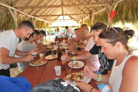 See More Tourism Excursiones - Tours : Comiendo langosta