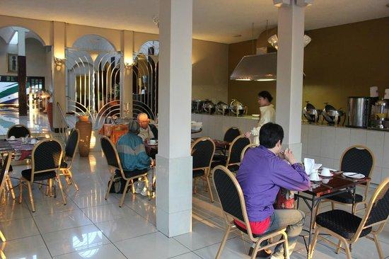 Rainbow Hotel Victoria Falls : レストラン