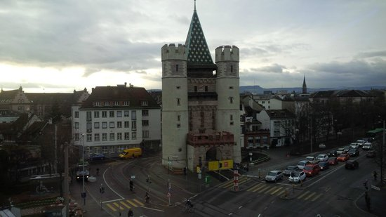 Hotel Spalentor Basel: View from breakfast room