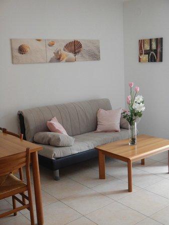 Residence Desiree: Divano-letto appartamento bilocale Dependance