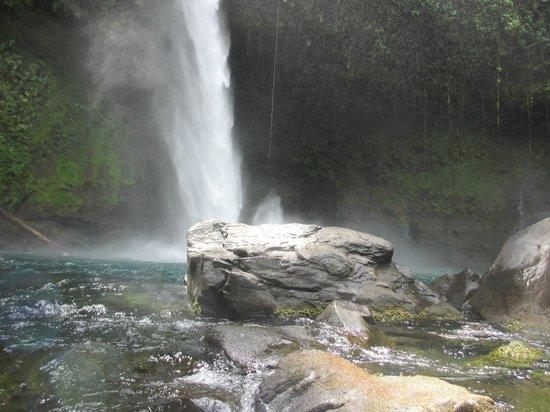 Catarata La Fortuna: la fortuna waterfall