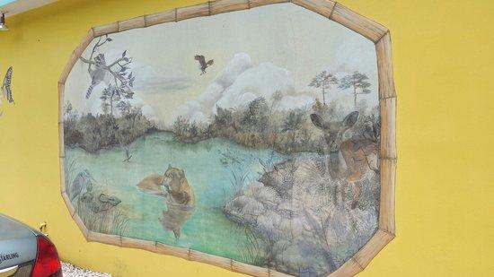 Harriette's Restaurant : Mural on back of restaurant.