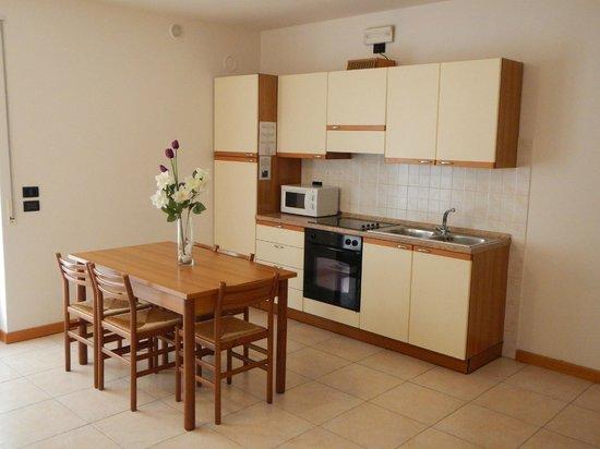 Residence Desiree: Soggiorno/cucina appartamento bilocale Dependance