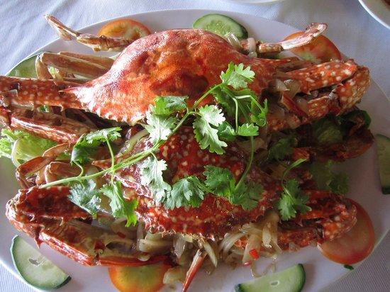 Ganh Hao: broiled crabs (cua ran muoi)