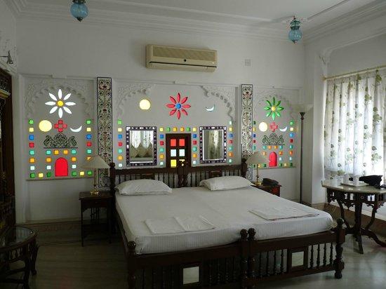 Raj Niwas Hotel: chambre maharaja