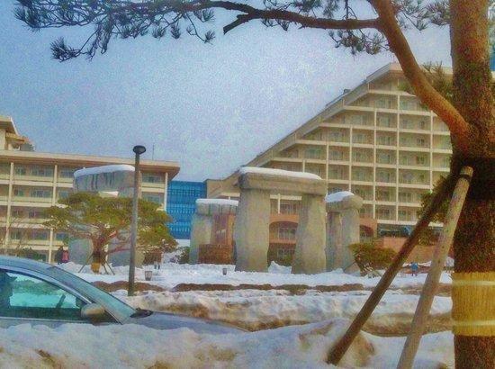 Delpino Golf & Resort: Stonehenge replica in the middle of the hotel