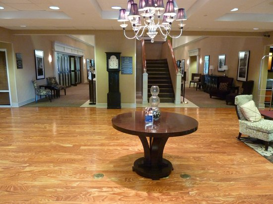 Hampton Inn & Suites Memphis-Shady Grove Road: Lobby